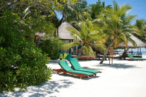 maldives-chaise-vacation-summer-beach