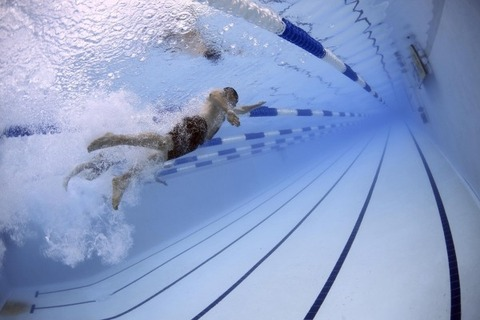 male-swimmers-in-pool