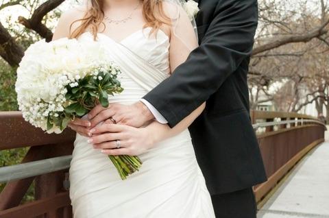 bride-groom-bouquet-bride-wedding-groom-love