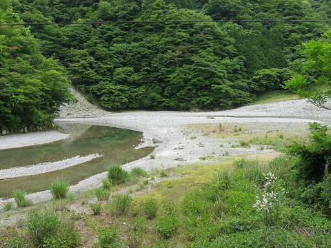 1200px-Kurokura_river_01